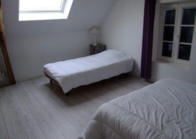 Chambre lit double + lit simple du Gîte de l'Erault - 02