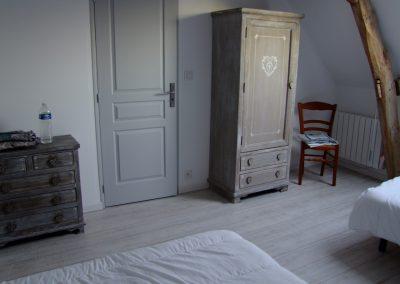 Chambre lit double + lit simple du Gîte de l'Erault - 04